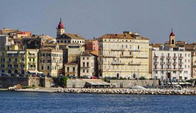 Η πόλη της Κέρκυρας όπως την παρατηρείς από το πλοίο.(EUROKINISSI / ΚΟΝΤΑΡΙΝΗΣ ΓΙΩΡΓΟΣ)