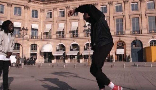 """Θανάσης Αντετοκούνμπο: Χόρεψε το """"ζεϊμπέκικο της Ευδοκίας"""" στο Παρίσι"""