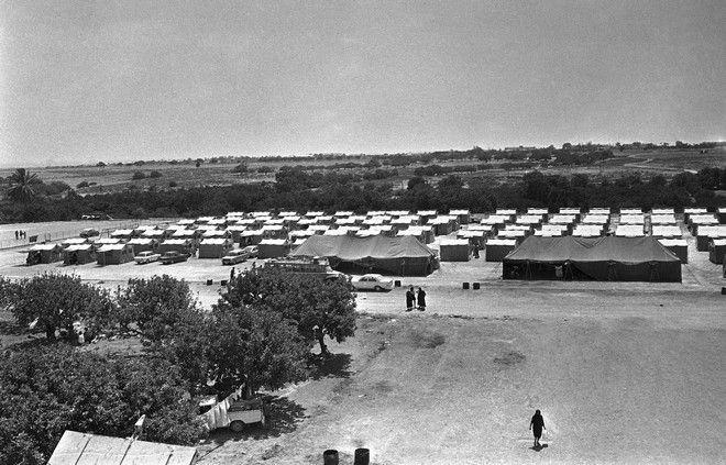 Καμπ με χιλιάδες Ελληνοκύπριους πρόσφυγες στη Λάρνακα, οι περισσότεροι από την περιοχή της Αμμοχώστου