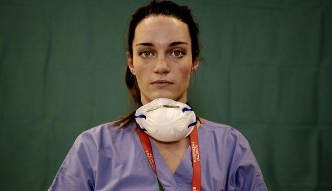 Γιατρός σε νοσοκομείο του Μπέργκαμο (Ιταλία)
