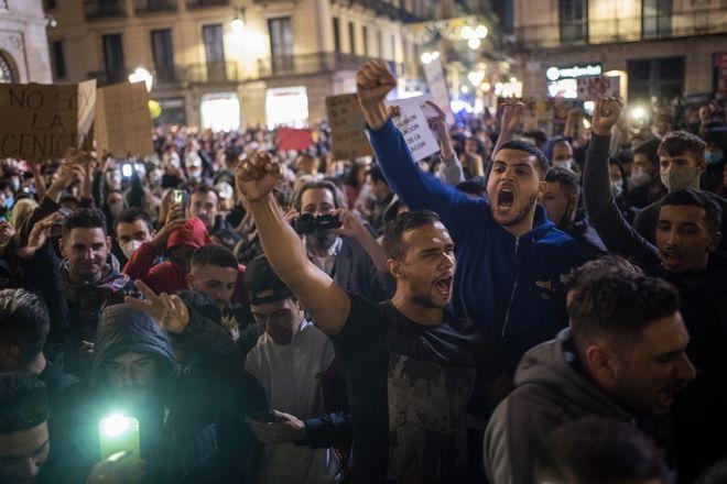 Διαδηλωτές στη Βαρκελώνη