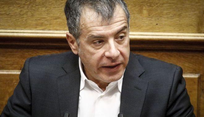 Συνάντηση των πολιτικών αρχηγών με αφορμή τα Ίμια ζητά ο Θεοδωράκης