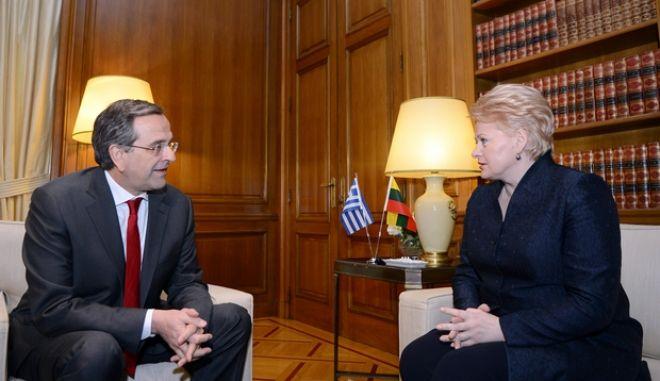 Συνάντηση του πρωθυπουργού με την Πρόεδρο της Λιθουανίας Ντάλια Γκριμπαουσκάιτε