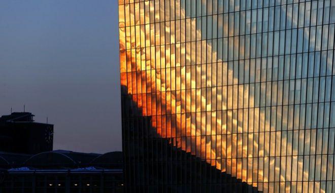 Το κτίριο Ευρωπαϊκής Κεντρικής Τράπεζας στην Φρανκφούρτη