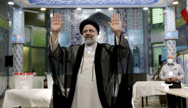 Ο Εμπραχίμ Ραϊσί, νέος πρόεδρος του Ιράν