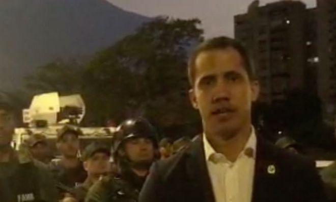 Άρωμα πραξικοπήματος στη Βενεζουέλα: Ο Γκουαϊδό καλεί το στρατό σε εξέγερση