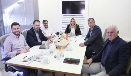 ΚΙΝΑΛ: Η έκπληξη με τον Χριστοδουλάκη, η απάντηση στο Βενιζέλο και η συζήτηση για το Σκοπιανό