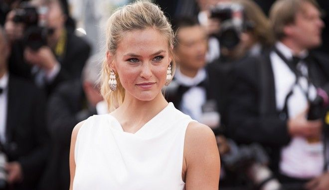 Bar Rafaeli arrives for the opening ceremony and the screening of the film La Tete Haute (Standing Tall) at the 68th international film festival, Cannes, southern France, Wednesday, May 13, 2015. (Photo by Arthur Mola/Invision/AP)