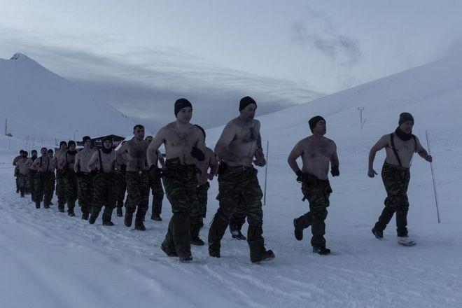 ... Φωτογραφίες  Έτσι εκπαιδεύονται οι Έλληνες καταδρομείς της Μαύρης Μοίρας  στα χιόνια ... 7ec8cfdd4d1
