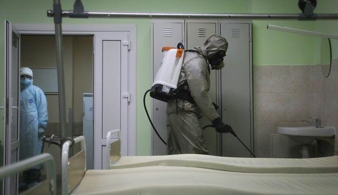Καθαρισμός σε νοσοκομείο στο Μινσκ