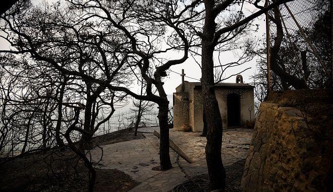 Τρίτη ημέρα μετά την καταστροφική πυρκαγιά στην Κινέτα