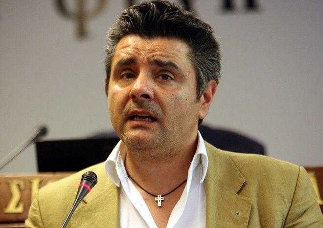 O δημοσιογράφος Μανώλης Κυπραίος θύμα αστυνομικής βίας