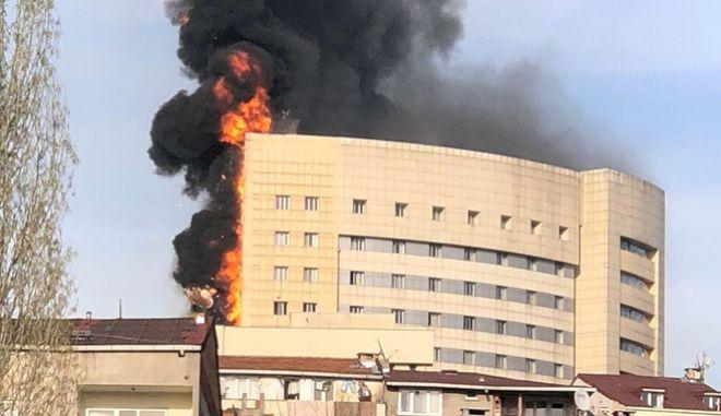 Φωτιά σε νοσοκομείο στην Κωνσταντινούπολη