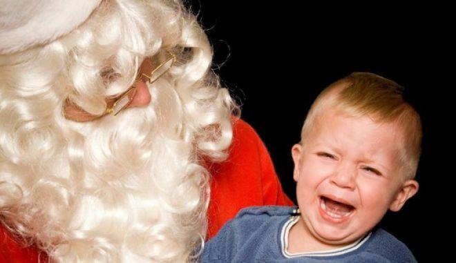 Να γιατί πρέπει να σταματήσετε να λέτε στα παιδιά σας ότι υπάρχει ο Άγιος Βασίλης