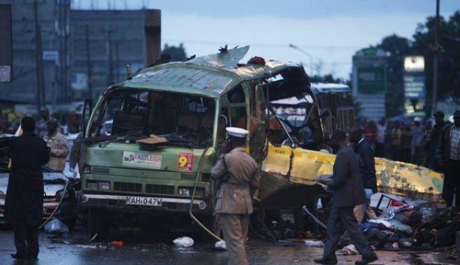 Εκρήξεις σε δύο λεωφορεία με τρεις νεκρούς στην Κένυα