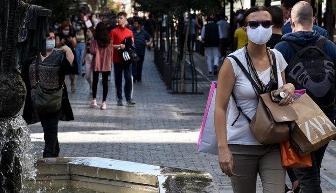 Μάσκες παντού: Άλλαξαν όψη οι δρόμοι της Αθήνας - Ποιοι εξαιρούνται από το μέτρο