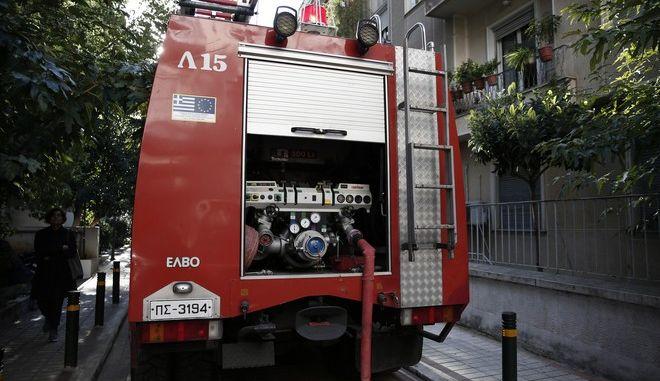 Πυρκαγιά ξέσπασε σε πολυκατοικία στην οδό Δ. Αιγινήτου. Παρασκευή 24 Νοέμβρη 2017. (EUROKINISSI / Στέλιος Μισίνας)