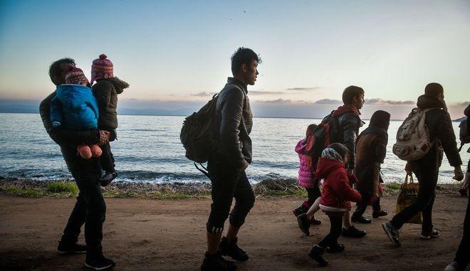 Πρόσφυγες στην σκάλα της Συκαμιάς στην Λέσβο