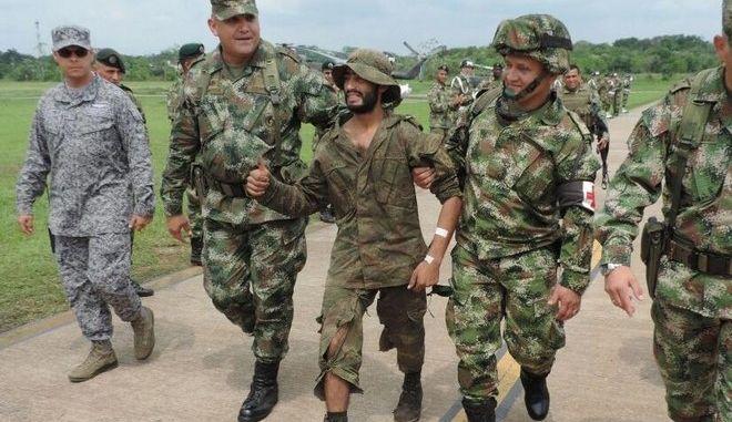 Κολομβία: Στρατιώτης κατάφερε να επιβιώσει στην ζούγκλα για τρεις εβδομάδες