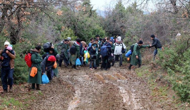 ΠΓΔΜ: Ελεύθεροι αφέθηκαν οι Έλληνες φωτορεπόρτερ και μέλη ΜΚΟ
