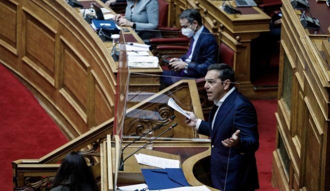 Ο Αλέξης Τσίπρας από το βήμα της Βουλής