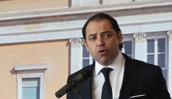 Συνέλαβαν τον εκδότη της Ακρόπολης και δύο δημοσιογράφους για εκβιασμούς