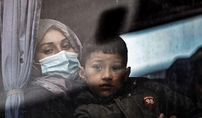 Πρόσφυγας με το παιδί της