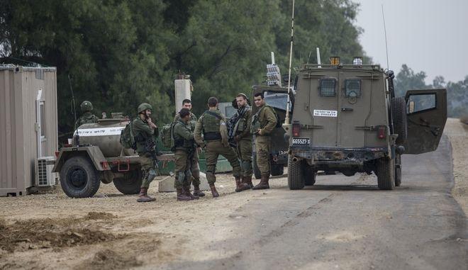 Ισραηλινός στρατός κοντά στη Λωρίδα της Γάζας