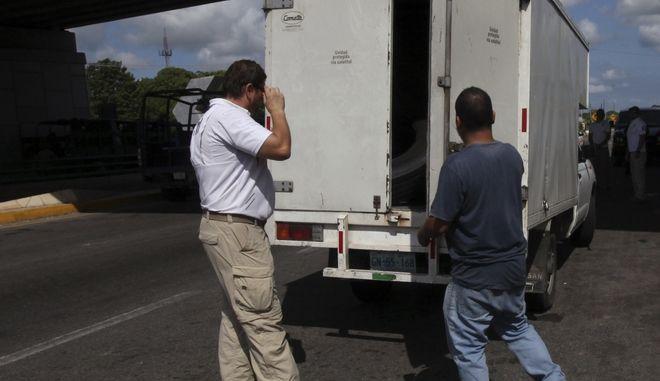 Έλεγχος σε φορτηγό για παράνομους μετανάστες