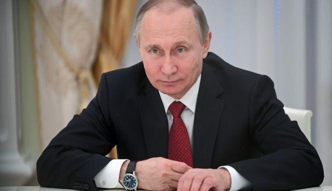 Reuters: Think tank που συνδέεται με τον Πούτιν επεξεργάστηκε σχέδιο επιρροής των εκλογών στις ΗΠΑ