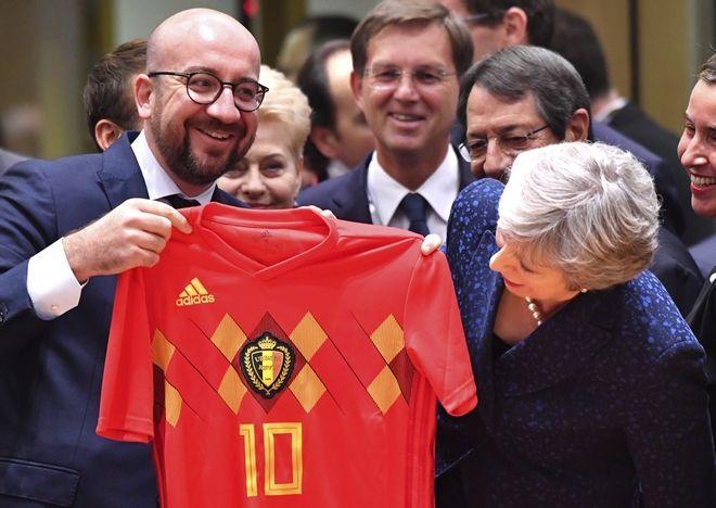 Με φανέλα του Βελγίου στη Σύνοδο Κορυφής ο Σαρλ Μισέλ
