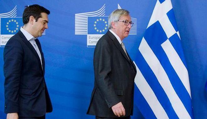 Reuters: Ο Γιούνκερ αρνήθηκε το τηλεφώνημα Τσίπρα. Ανακάλυψαν δήθεν αναπάντητες λέει ο ΣΥΡΙΖΑ
