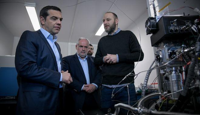 """Ο Πρωθυπουργός, ΑλέξηςΤσίπρας, κατα την επίσκεψή του στο Εθνικό Κέντρο Έρευνας Φυσικών Επιστημών """"Δημόκριτος"""""""