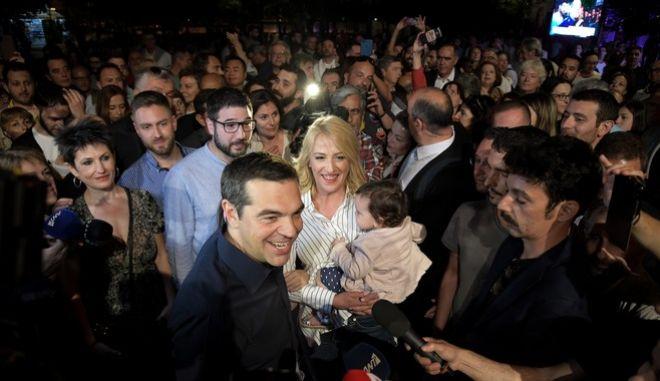 Ο πρωθυπουργός Αλέξης Τσίπρας στο εκλογικό κέντρο της Ρ. Δούρου και του Ν. Ηλιόπουλου