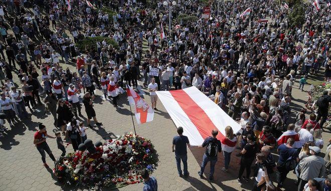 Μεγάλη συγκέντρωση στη Λευκορωσία κατά της επανεκλογής του Λουκασένκο.