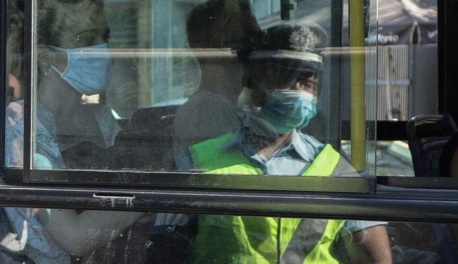 Κλιμάκια της Τροχαίας πραγματοποιούν ελέγχους σε Μέσα Μαζικής Μεταφοράς αλλά και στα ταξί, στην Αθήνα την Παρασκευή 31 Ιουλίου 2020. (EUROKINISSI/ΓΙΑΝΝΗΣ ΠΑΝΑΓΟΠΟΥΛΟΣ)