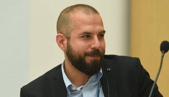 """Αντ. Τζανακόπουλος: Η συμφωνία δεν αναγνωρίζει """"μακεδονικό έθνος"""" γιατί το Διεθνές Δίκαιο δεν προβλέπει ορισμό """"έθνους"""""""