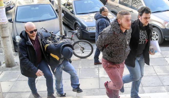 Θεσσαλονίκη: Προφυλακιστέοι οι τρεις κατηγορούμενοι για τη δολοφονία του 45χρονου ιδιοκτήτη ψητοπωλείου