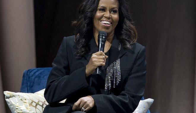 """Η Μισέλ Ομπάμα σε παρουσίαση του βιβλίου της, """"Becoming"""""""