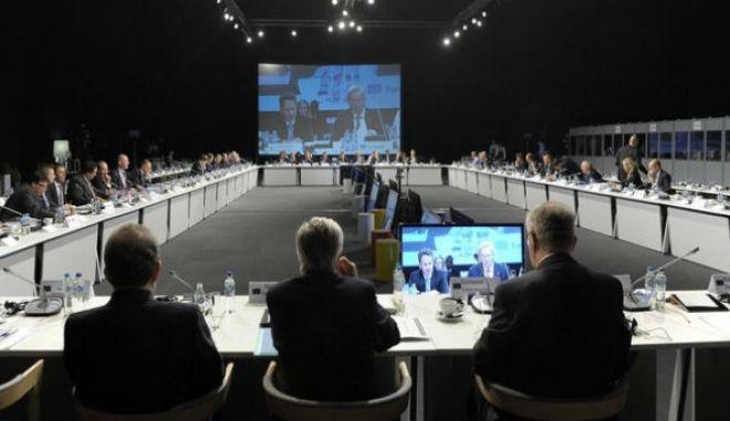 Διαπραγμάτευση ώρα μηδέν. Προς έκτακτο Eurogroup Παρασκευή ή Δευτέρα. Συμφωνία ζητά η οικονομία και η κοινωνία
