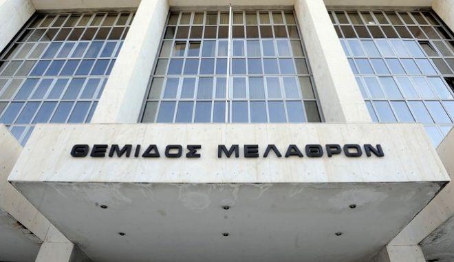 O υπουργός Δικαιοσύνης Νίκος Παρασεκυόπουλος στην Εισαγγελία του Αρείου Πάγου, την Πέμπτη 14 Ιουλίου 2016, όπου και ζήτησε από την Εισαγγελέα Ξένη Δημητρίου να παραγγείλει την εκδίκαση των δύο υποθέσεων της Siemens που βρίσκονται στο ακροατήριο (ψηφιοποίηση παροχών του ΟΤΕ και δωροδοκία τέως κυβερνητικών στελεχών), κατΚΌ απόλυτη προτεραιότητα, όπως προβλέπει το άρθρο 30 παρ. 3 του Κώδικα Ποινικής Δικονομίας, για υποθέσεις εξαιρετικής φύσης. (EUROKINISSI/ΤΑΤΙΑΝΑ ΜΠΟΛΑΡΗ)