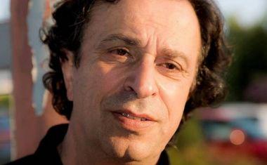 Μουμουλίδης: Δεν πρέπει να παραιτηθούν όσοι βουλευτές διαφωνούν για τα ομόφυλα ζευγάρια