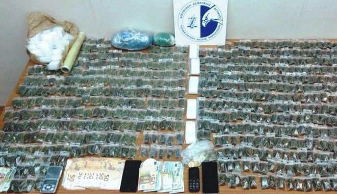 Συλλήψεις μελών κυκλώματος διακίνησης ναρκωτικών
