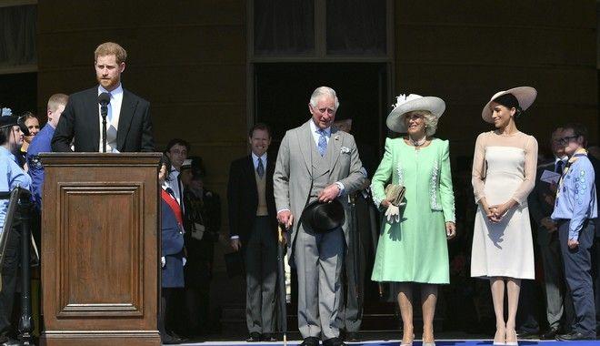 Ο δούκας και η δούκισσα του Σάσεξ στα γενέθλια του Καρόλου