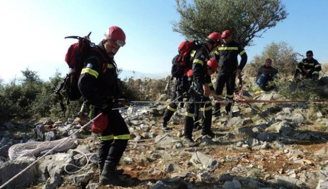 Περιπατητές εγκλωβισμένοι σε φαράγγι της Κρήτης