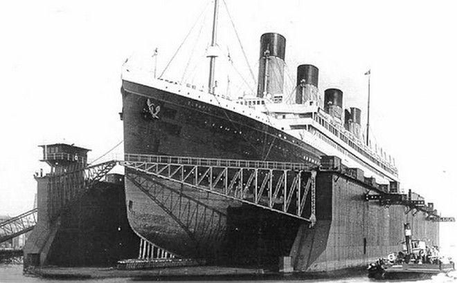 Το πλοίο ''Ολυμπιακός''