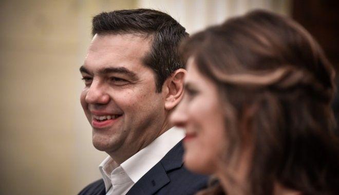 Ο πρόεδρος του ΣΥΡΙΖΑ Αλέξης Τσίπρας και η Μπέτυ Μπαζιάνα