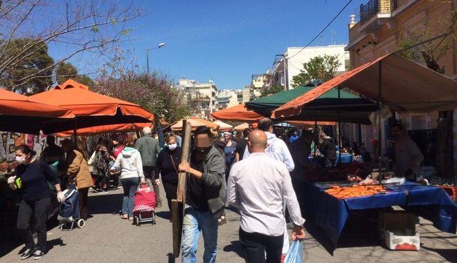 Συνωστισμός στις λαϊκές αγορές