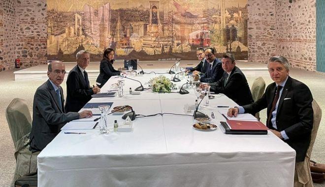 Ολοκληρώθηκαν οι διερευνητικές επαφές Ελλάδας-Τουρκίας στην Κωνσταντινούπολη