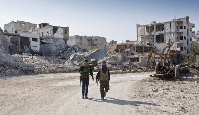 Μέλη του YPG στο Κομπάνι της Συρίας